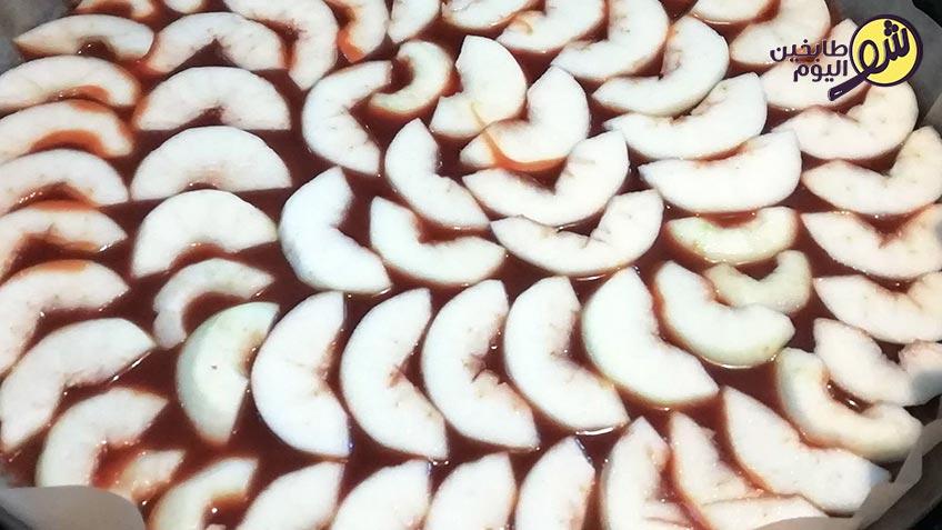 كيكة-التفاح-بالكريم-كراميل-2--شو-طابخين-اليوم